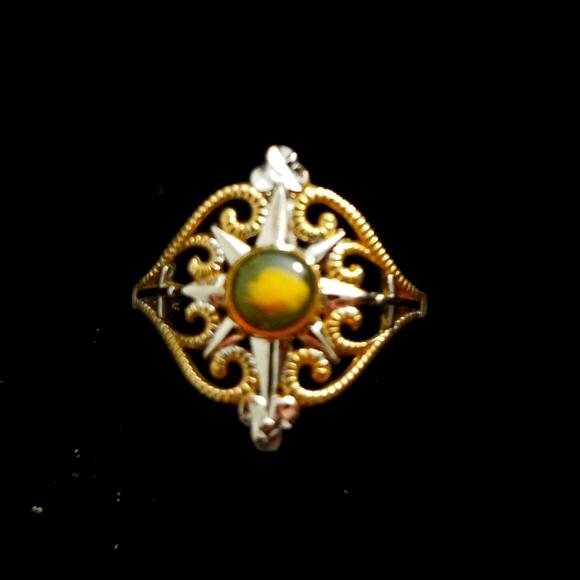 Nativity Stone in 10k Gold